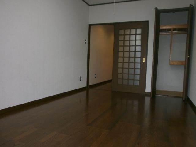 サン・ハピネス 207号室の収納