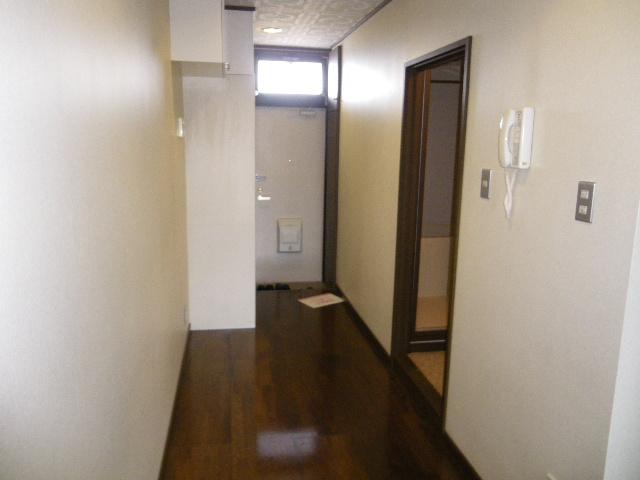 サン・ハピネス 207号室の玄関