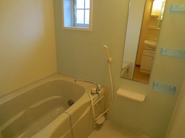 アルモニ-B 02020号室の風呂