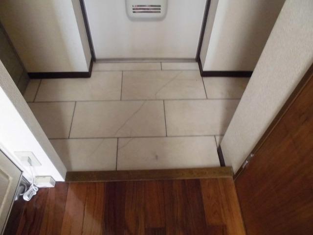 カーサ・パルマ 203号室の玄関