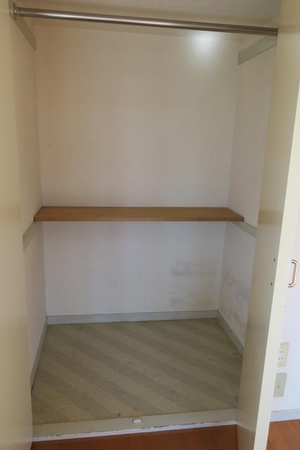 アルファレス昭和町 201号室の収納