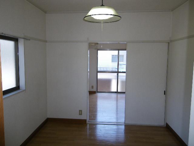 南雲ハイツ 102号室の居室