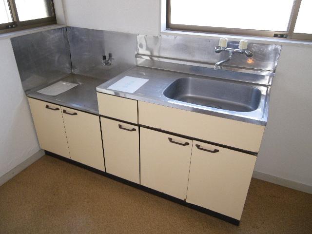 南雲ハイツ 102号室のキッチン