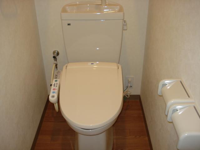 エトワールコート 105号室のトイレ
