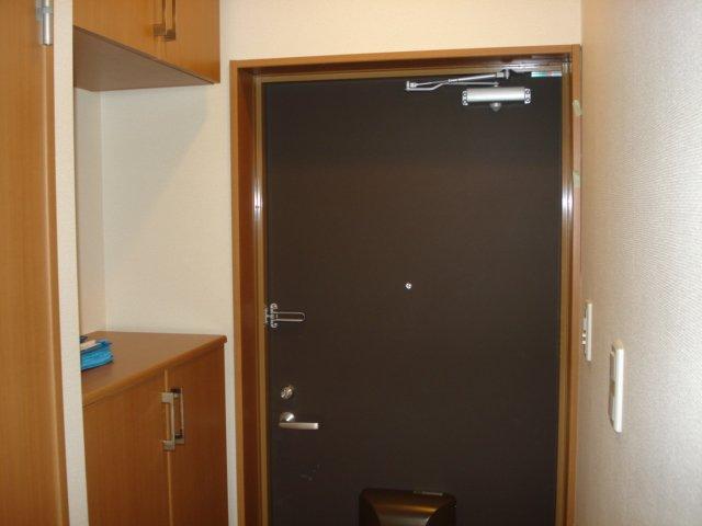 エトワールコート 105号室の玄関