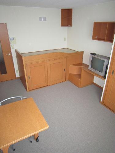 レオパレスコンドル 208号室のベッドルーム