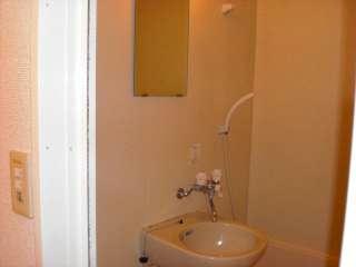 レオパレスWING 102号室の風呂