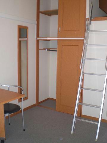 レオパレスLuce 205号室の収納