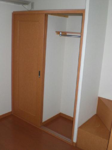 レオパレスペイサージュ 101号室の収納