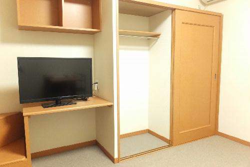 レオパレスリトル アイランド 201号室の収納