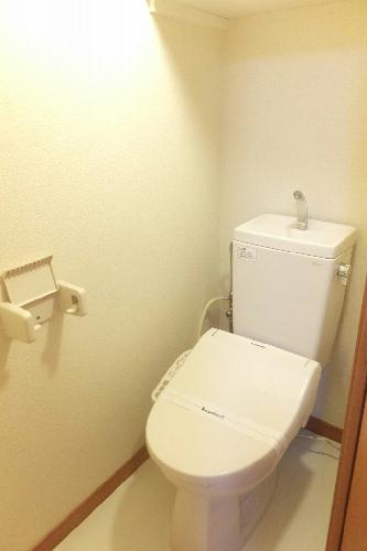 レオパレスリトル アイランド 201号室のトイレ