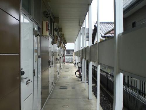 レオパレスエクセディオールⅡ 207号室の玄関