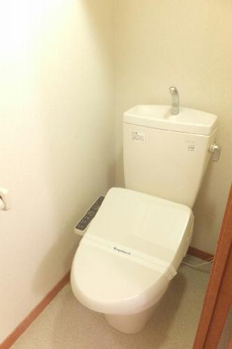 レオパレスステルラ 102号室のトイレ