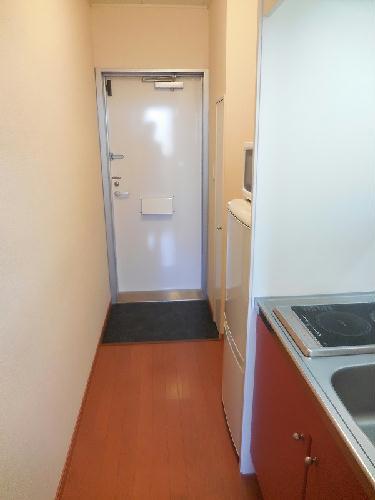 レオパレスキャンサーⅡ 107号室の玄関