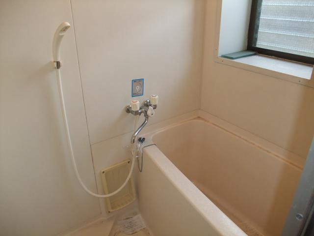 ロイヤルヴィレッジ 203号室の風呂