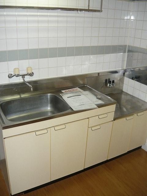 深堀ハイツ 02040号室のキッチン