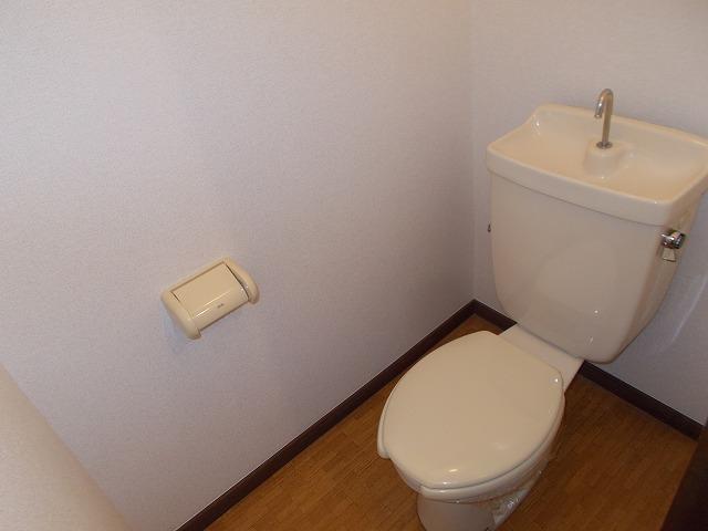 深堀ハイツ 02040号室のトイレ