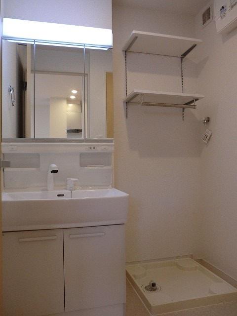 アリエッタ Ⅰ 01030号室の洗面所
