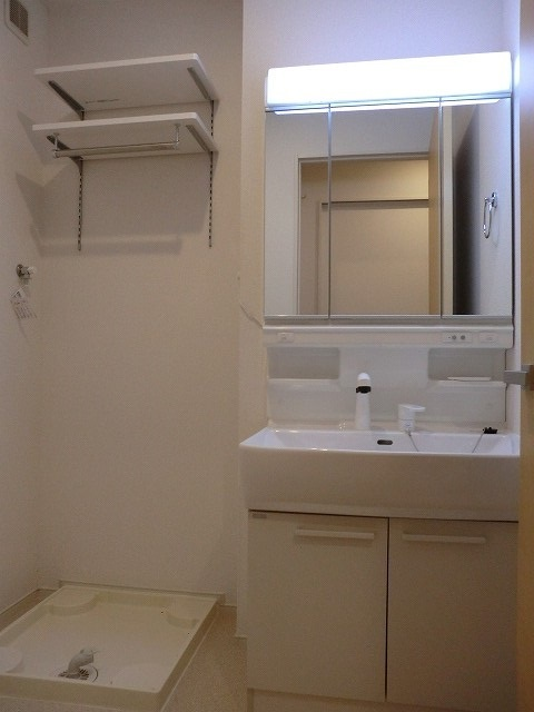 アリエッタ Ⅰ 02010号室の洗面所