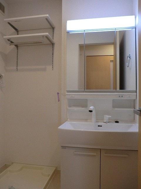 アリエッタ Ⅱ 02010号室の洗面所
