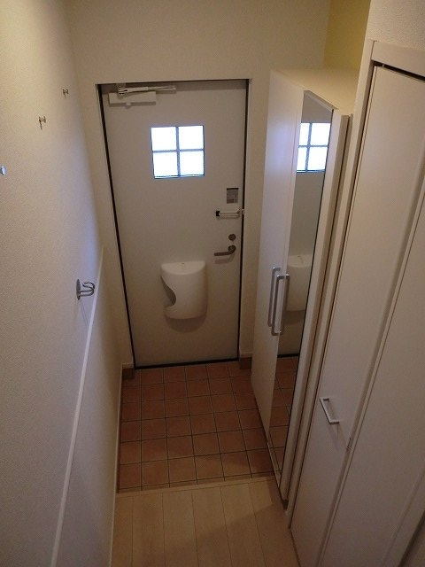 アリエッタ Ⅱ 02010号室の玄関