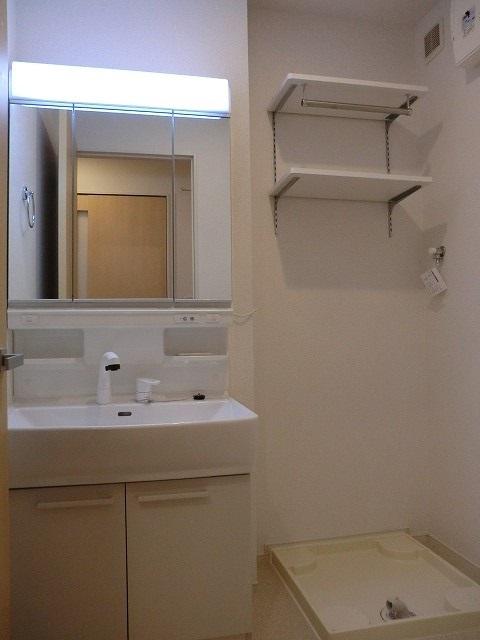 アリエッタ Ⅱ 02020号室の洗面所