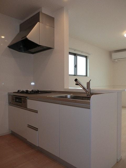 アリエッタ Ⅲ 02040号室のキッチン