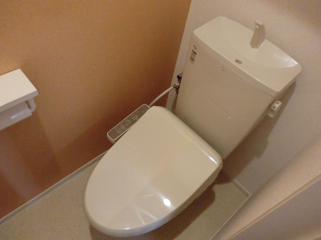 アリエッタ Ⅲ 02040号室のトイレ