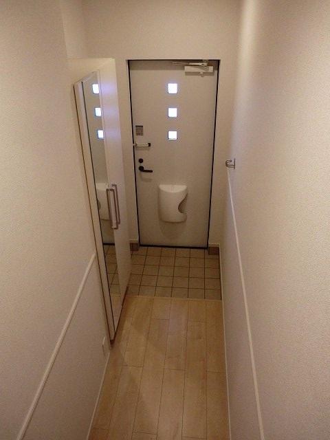 アリエッタ Ⅲ 02040号室の玄関