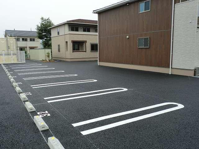 アリエッタ Ⅲ 02040号室の駐車場