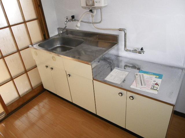 ホワイトマンション 301号室のキッチン