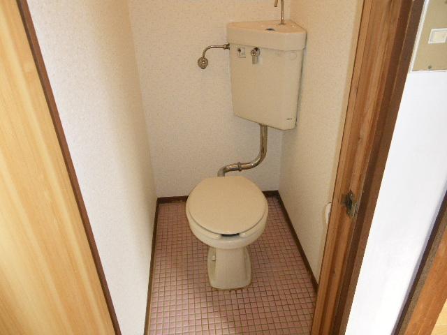 ホワイトマンション 301号室のトイレ