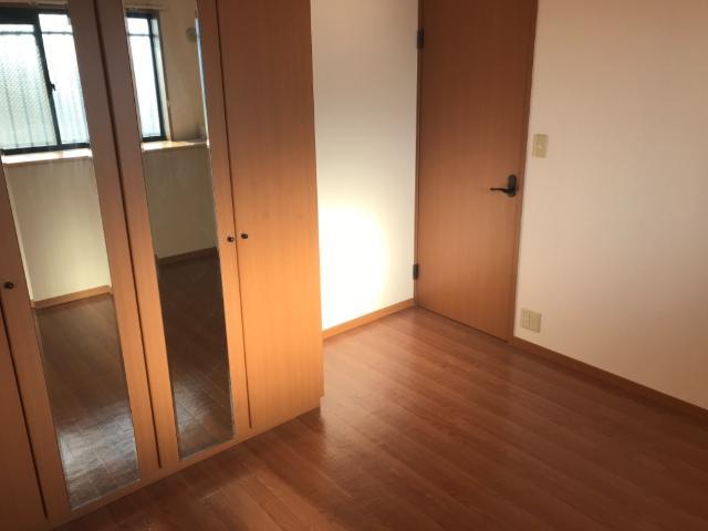 ファンファン 201号室の居室