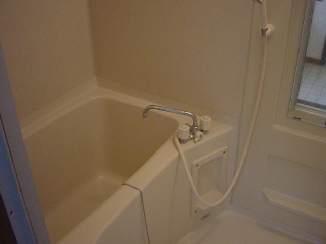 ファンファン 201号室の風呂