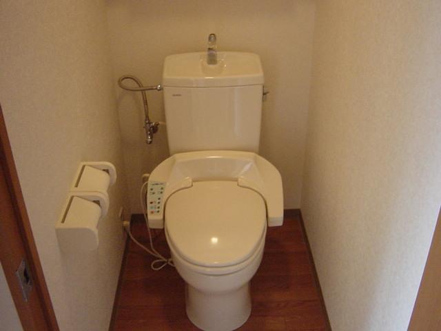 ファンファン 201号室のトイレ