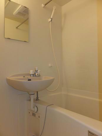 レオパレスレインボードロップス 201号室の風呂