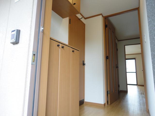 プランドール光円 103号室の玄関