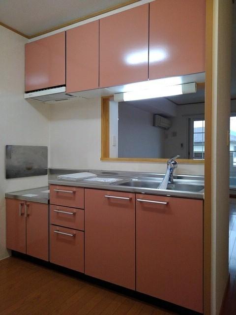 ラ・ボーレA 02020号室のキッチン