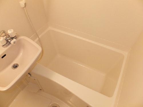 レオパレスモデラーテ 303号室の風呂