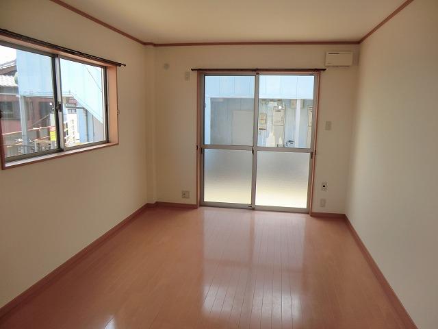 レークハヤⅢ 101号室の収納