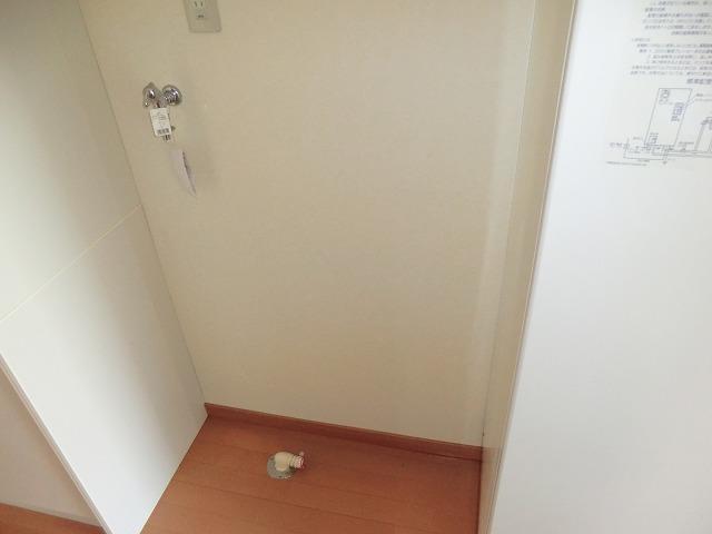 レークハヤⅢ 101号室のリビング