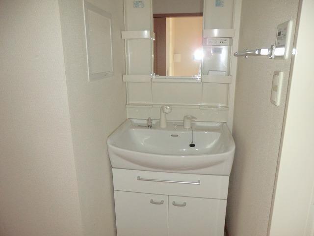 クラーベル志貴 02020号室の洗面所
