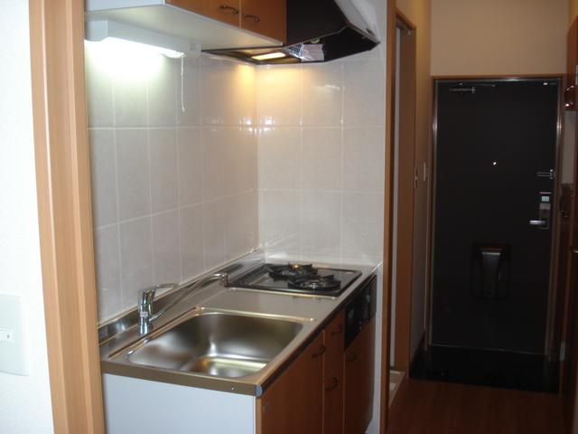 コンフォール三宅 101号室のキッチン