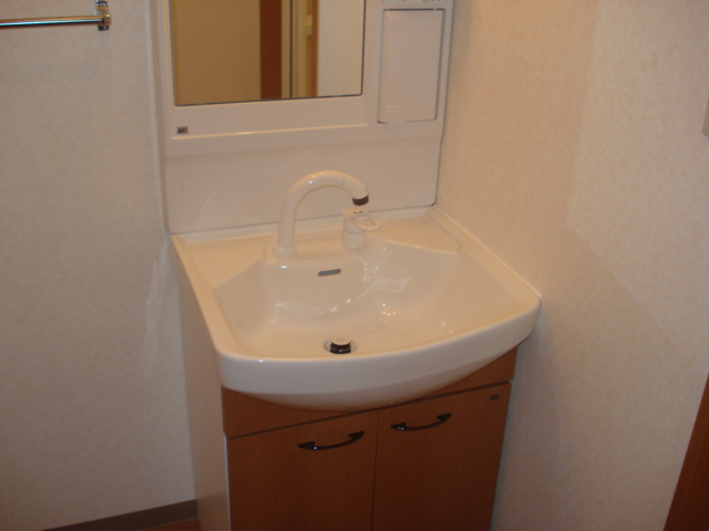 コンフォール三宅 101号室の洗面所