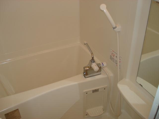 アイフレンド・M 202号室の風呂