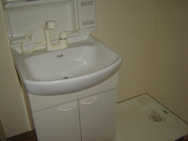アイフレンド・M 202号室の洗面所