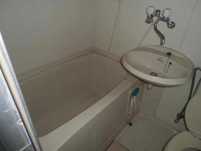 ザ・ホタル D号室の風呂