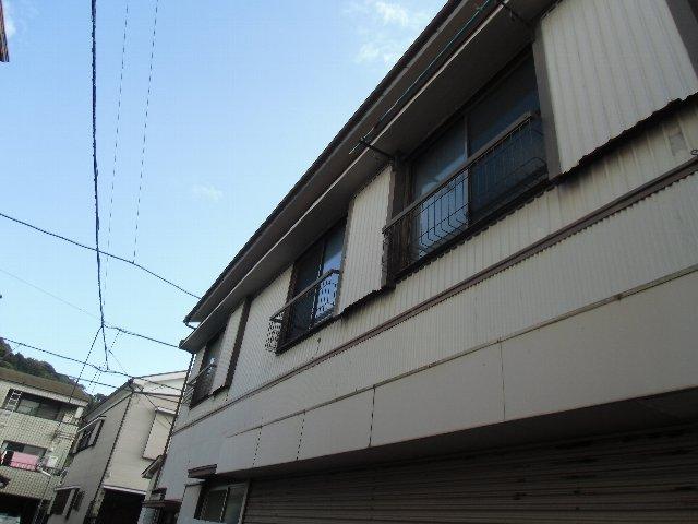 鈴木荘 1-1号室のバルコニー