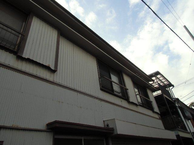 鈴木荘 1-1号室のエントランス