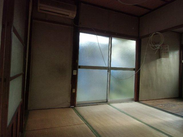 鈴木荘 1-1号室のリビング